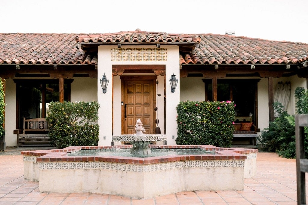 A view of the The Casitas Estate entry courtyard.